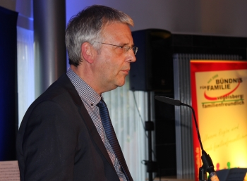 Dr. Thomas Metker (Bundesfamilienministerium) lobte das Vogelsberger Bündnis für Familie als bundesweit beispielgebend.