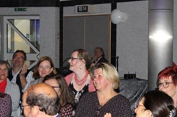 Sandra Obenhack (Mitte) freut sich über das Lob.