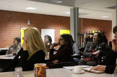 Konzentriertes Zuhören bei den Unternehmerinnen und Personalverantwortlichen.