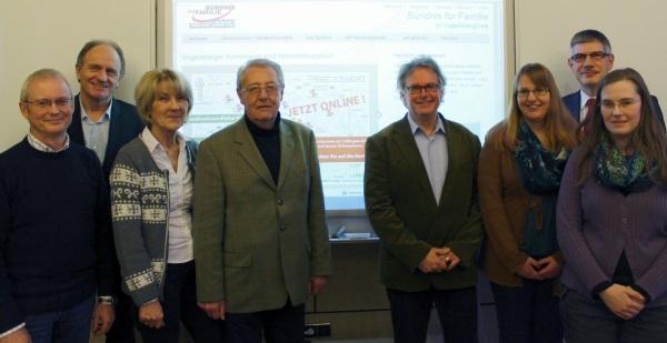 Die Mitglieder der Arbeitsgruppe Information und Kommunikation im Familienbündnis